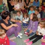 Noć knjige u Osnovnoj školi Komletinci, koja se manifestaciji priključila i prošle godine.